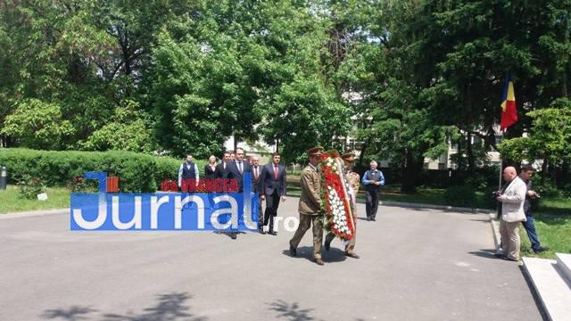 ziua eroilor5 - FOTO: Eroii Neamului, comemorați la Mausoleul Focșani și la celelalte mausolee din județ