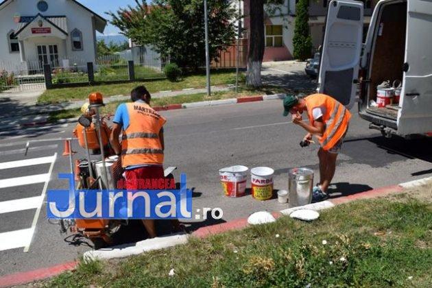 marcaje rutiere trecere pietoni1 630x420 - FOTO: Au început lucrările de refacere a marcajelor rutiere la Panciu