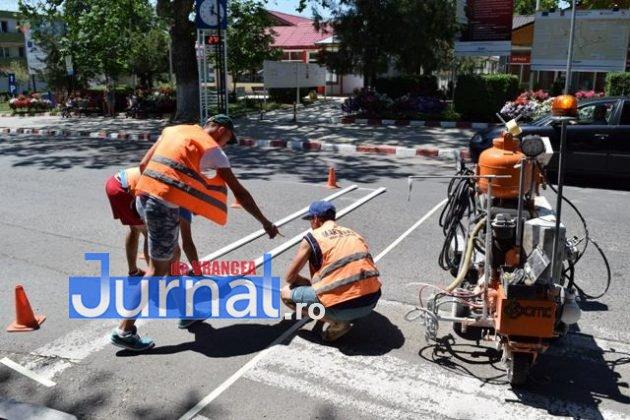 marcaje rutiere trecere pietoni6 630x420 - FOTO: Au început lucrările de refacere a marcajelor rutiere la Panciu