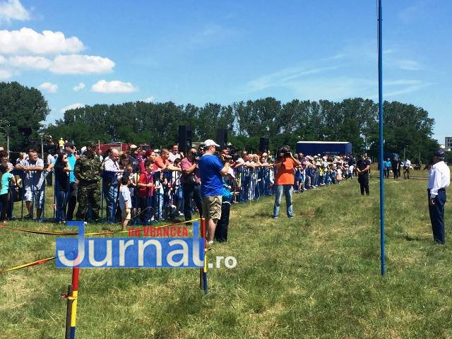miting aviatic2 - LIVE - SPECTACOL pe cer la Aerodromul Focșani