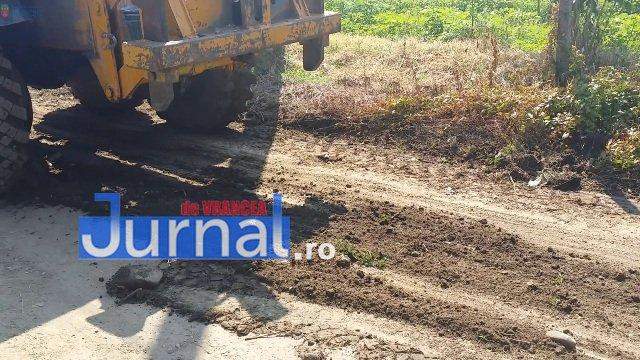 Lucrari str. Ciresului 5 - FOTO: Primăria Orașului Panciu a început modernizarea drumurilor de exploatație agricolă