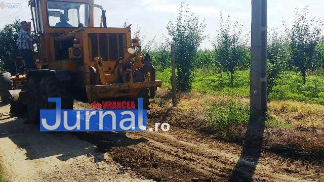 Lucrari str. Ciresului 6 - FOTO: Primăria Orașului Panciu a început modernizarea drumurilor de exploatație agricolă