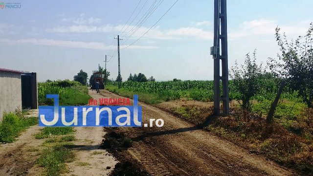 Lucrari str. Ciresului 9 - FOTO: Primăria Orașului Panciu a început modernizarea drumurilor de exploatație agricolă