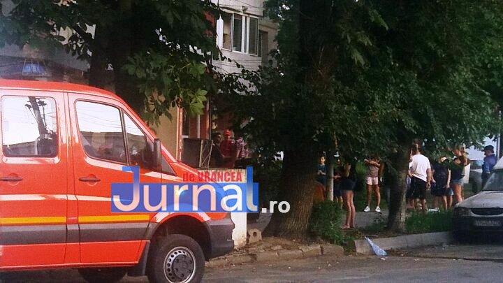 explozie mr.gh pastia focsani3 - FOTO-ULTIMĂ ORĂ: Explozie într-un bloc din Focșani (UPDATE VIDEO)