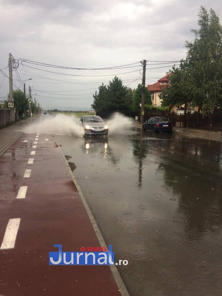 ploaie crang petresti - Cum arată drumul spre Crângul Petrești după o ploaie torențială