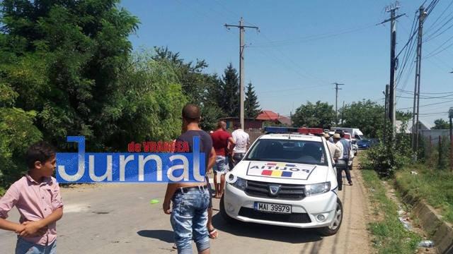 femeie injunghiata slobozia bradului2 - FOTO-ULTIMĂ ORĂ: Femeie înjunghiată în stradă la Slobozia Bradului