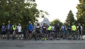 mausoleuleroilor focsani 300x174 - GALERIE FOTO: Eroina Ecaterina Teodoroiu, comemorată prin pedalat