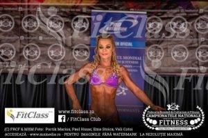 lenuta 5 300x200 - GALERIE FOTO: O focșăneancă, senzațională în bikini, pe podium la Campionatul Național de Culturism și Fitness