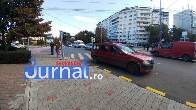 actiune ipj vrancea12 - GALERIE FOTO: Zeci de sancţiuni împărţite de poliţişti pentru opriri şi staţionări neregulamentare