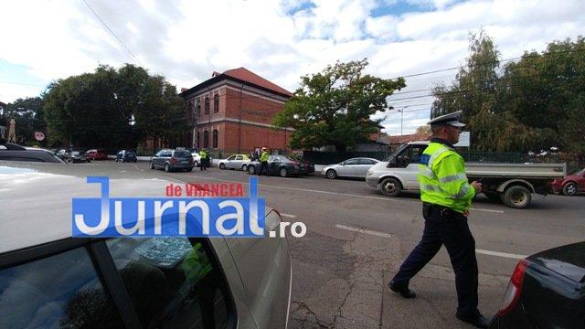 actiune ipj vrancea2 1 - GALERIE FOTO: Zeci de sancţiuni împărţite de poliţişti pentru opriri şi staţionări neregulamentare