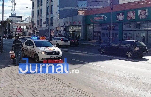 actiune ipj vrancea5 - GALERIE FOTO: Zeci de sancţiuni împărţite de poliţişti pentru opriri şi staţionări neregulamentare
