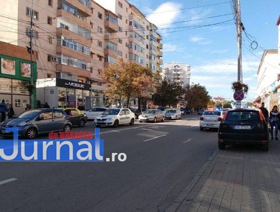 actiune ipj vrancea7 556x420 - GALERIE FOTO: Zeci de sancţiuni împărţite de poliţişti pentru opriri şi staţionări neregulamentare