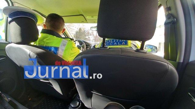 actiune ipj vrancea8 - GALERIE FOTO: Zeci de sancţiuni împărţite de poliţişti pentru opriri şi staţionări neregulamentare