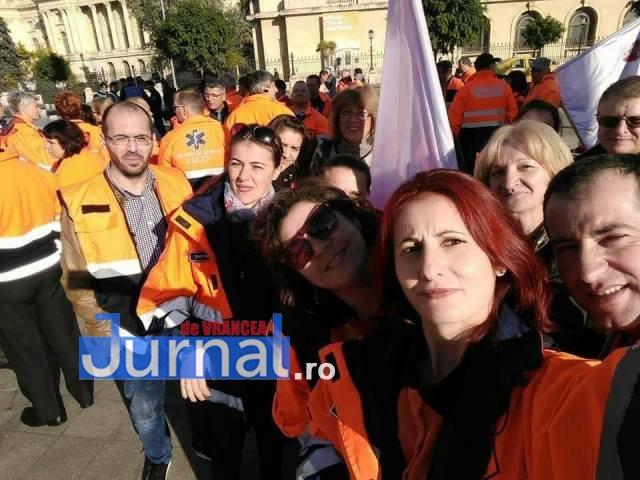 protest ambulanta1 - Ambulanţieri din Vrancea, la amplele proteste de miercuri din Bucureşti