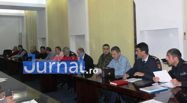 comitetul judetean pentru situatii de urgenta sedinta1 - Autoritățile, pregătite să dea piept cu iarna. Ce măsuri s-au dispus la nivelul județului Vrancea