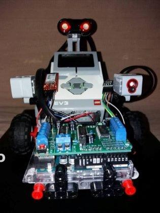 concurs roboti costa rica3 315x420 - Roboții din Vrancea au plecat la Olimpiada Internațională din Costa Rica