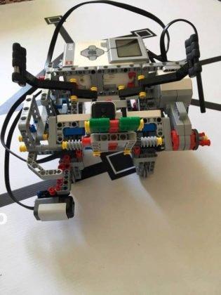 concurs roboti costa rica6 315x420 - Roboții din Vrancea au plecat la Olimpiada Internațională din Costa Rica