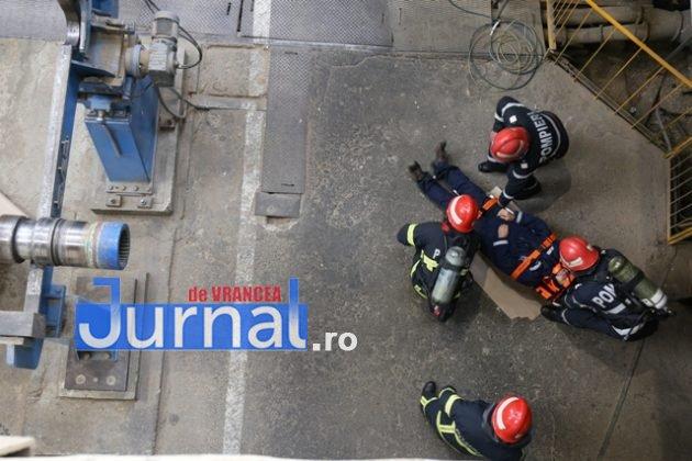 isu vranceapompieri exercitiu vrancart9 630x420 - GALERIE FOTO: Pompierii au simulat un accident chimic în curtea Vrancart