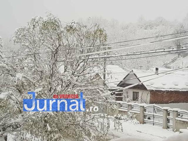 zapada tulnici2 - FOTO: Iarnă în toată regula în satele de munte din Vrancea
