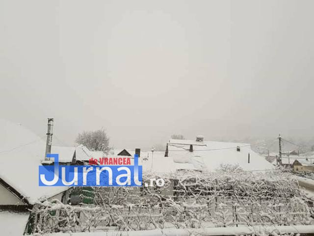 zapada tulnici4 - FOTO: Iarnă în toată regula în satele de munte din Vrancea