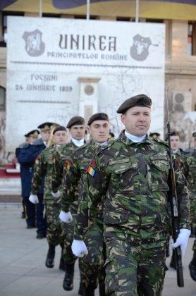24 ianuarie focsani ziua unirii 12 278x420 - FOTO și VIDEO: Cum s-a sărbătorit Ziua Micii Uniri la Focșani