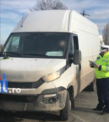 actiune politia rutiera2 377x420 - FOTO: Acțiuni pentru siguranța rutieră