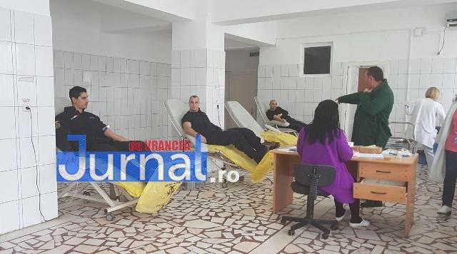 donare de sange jandarmeria vrancea1 - FOTO: Jandarmii vrânceni au donat sânge
