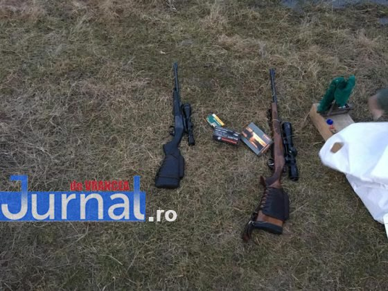 arme vanatoare 5 560x420 - FOTO: Arme de vânătoare folosite de doi bărbați pe un câmp din Panciu. Jandarmii i-au prins în flagrant