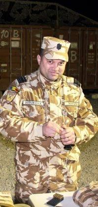 militari vizita afganistan2 199x420 - FOTO: Veterani ai Armatei României răniți în teatrele de operații, în vizită în Afganistan