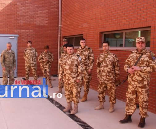 militari vizita afganistan7 506x420 - FOTO: Veterani ai Armatei României răniți în teatrele de operații, în vizită în Afganistan