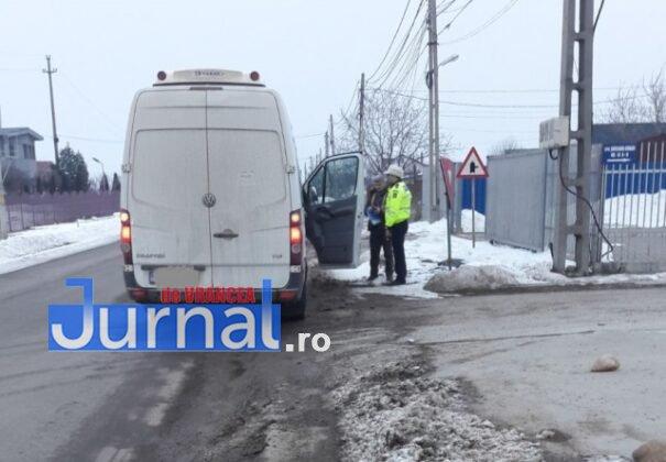actiune politia rutiera 1 605x420 - GALERIE FOTO: Transportatorii de persoane și mărfuri în vizorul polițiștilor