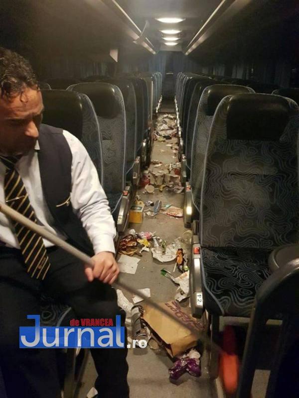autocar-gunoi-
