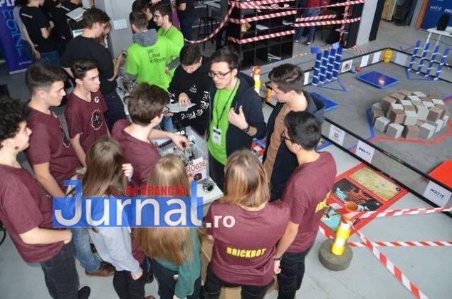 echipa de robotica colegiul unirea5 635x420 - FOTO: Noua echipă de robotică a Colegiului Unirea, loc fruntaș la un campionat de profil