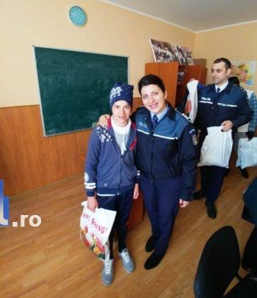 ipj-vrancea-cadouri-copii-maicanesti11