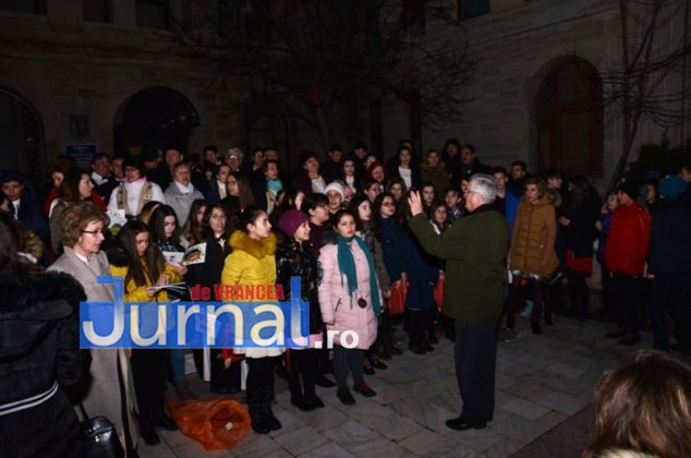 ora pamantului focsani lampioane 12 634x420 - GALERIE FOTO: Sute de lampioane lansate în centrul orașului. Focșaniul a sărbătorit Ora Pământului