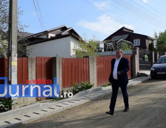 Asfaltare str. Dumbrava si Mihai Eminescu 2 544x420 - PANCIU: A început asfaltarea străzilor Dumbrava și Mihai Eminescu(FOTO)