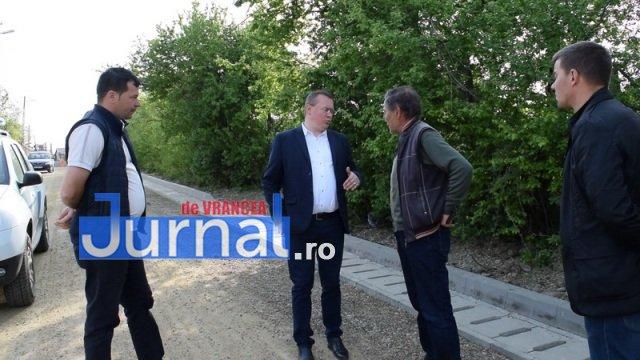 Asfaltare str. Dumbrava si Mihai Eminescu 4 - PANCIU: A început asfaltarea străzilor Dumbrava și Mihai Eminescu(FOTO)