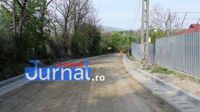 Asfaltare str. Dumbrava si Mihai Eminescu 7 - PANCIU: A început asfaltarea străzilor Dumbrava și Mihai Eminescu(FOTO)
