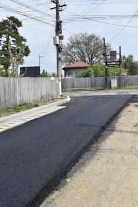 Asfaltare str. Dumbrava si Mihai Eminescu 8 280x420 - PANCIU: A început asfaltarea străzilor Dumbrava și Mihai Eminescu(FOTO)