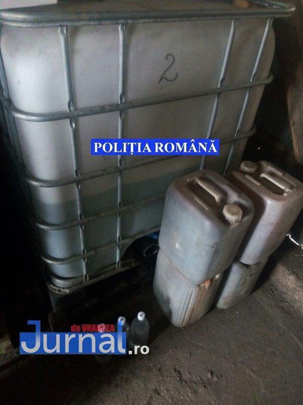 Panciu alcool perchezitii1 - FOTO: Percheziții la Panciu și Movilița, la persoane care au făcut mai multă țuică decât era legal