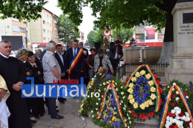 Ziua Eoilor 2018 42 631x420 - GALERIE FOTO: Martirii neamului românesc au fost omagiați la Monumentul Eroilor din Panciu