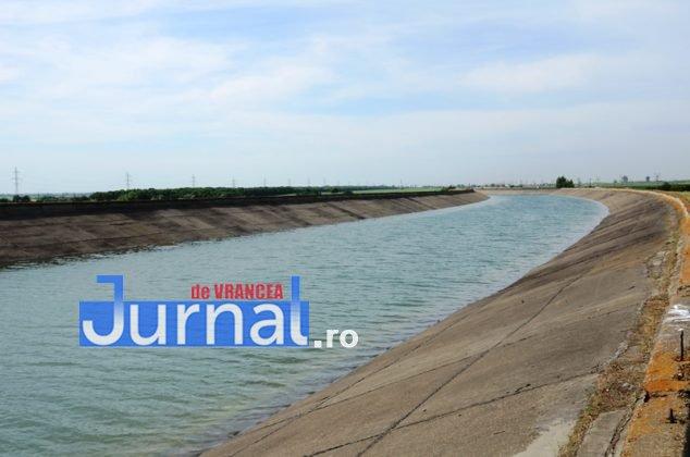 canal siret baragan 634x420 - GALERIE FOTO: Primele irigații din Canalul Siret-Bărăgan. Viorica Dăncilă și Petre Daea, în vizită la canal
