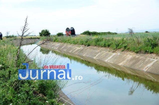 canal siret baragan26 634x420 - GALERIE FOTO: Primele irigații din Canalul Siret-Bărăgan. Viorica Dăncilă și Petre Daea, în vizită la canal