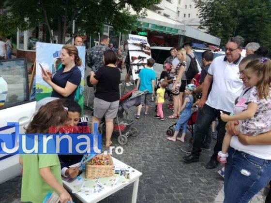 1 iunie politia romana1 560x420 - FOTO-VIDEO: De 1 Iunie, polițiștii au dat în mintea copiilor