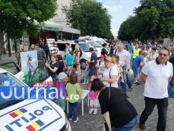 1 iunie politia romana3 560x420 - FOTO-VIDEO: De 1 Iunie, polițiștii au dat în mintea copiilor