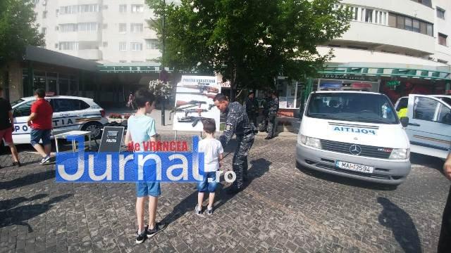 1 iunie politia romana5 - FOTO-VIDEO: De 1 Iunie, polițiștii au dat în mintea copiilor