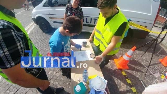 1 iunie politia romana9 - FOTO-VIDEO: De 1 Iunie, polițiștii au dat în mintea copiilor