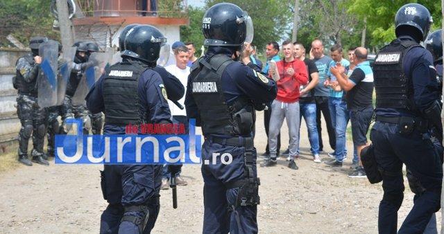 exercitiu penitenciar12 - FOTO: Revoltă la Penitenciarul Focșani! Vezi aici confruntarea dintre deținuți și jandarmi!