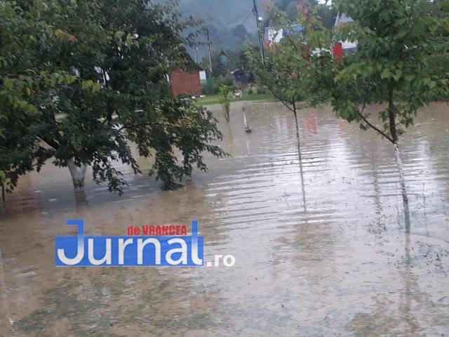 inundatii-curti-inundate1