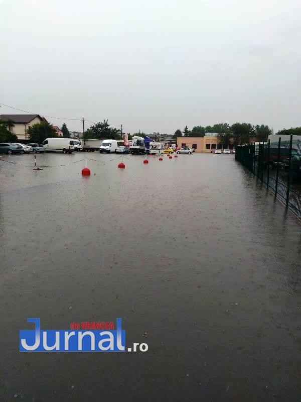 inundatii rar vrancea3 - FOTO-ULTIMĂ ORĂ: Curtea RAR Vrancea și mai multe locuințe au fost INUNDATE